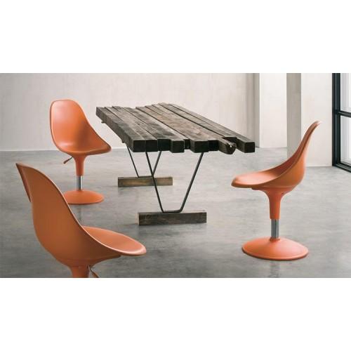 Καρέκλα με περιστρεφόμενο κάθισμα